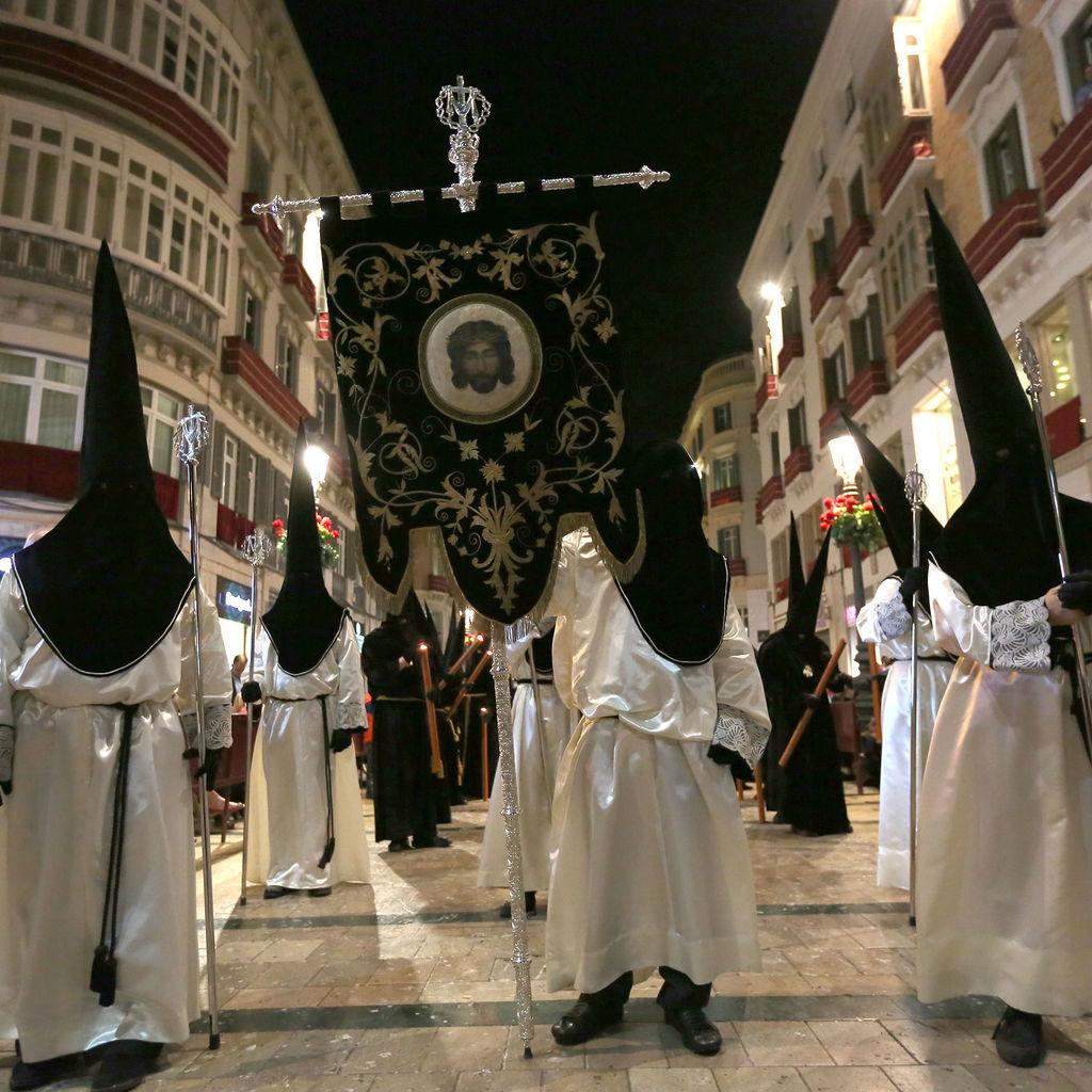 penitentes-originales-Piedad-Burgos-Oms_1127297801_67466799_1536x1024